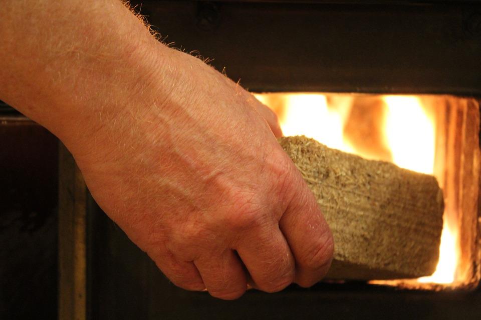 Verbrennungsgefahr in der Weihnachtszeit – Was bei Brandverletzungen beachtet werden sollte