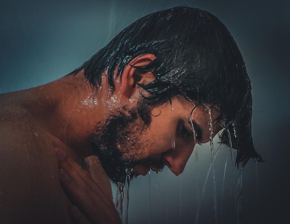 Nach dem Sport nur kurz lauwarm duschen