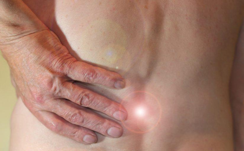 Häufige Rückenbeschwerden verstehen, vorbeugen und behandeln: Die Aktion Gesunder Rücken klärt auf