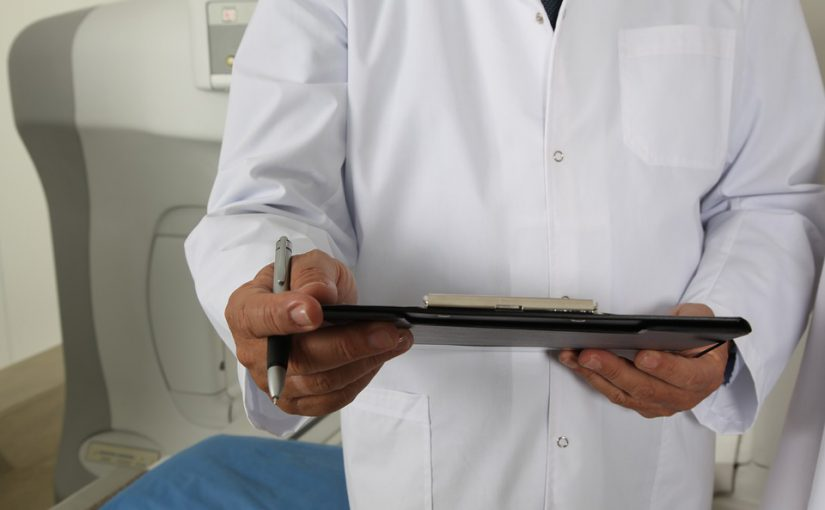 Männer sollten regelmäßig zur Prostatakontrolle