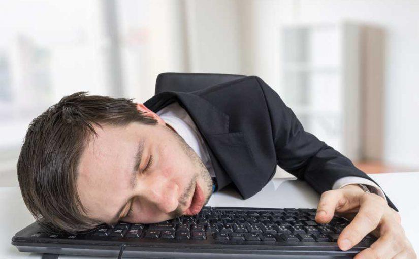 Tipps gegen Wintermüdigkeit und Schlafmangel