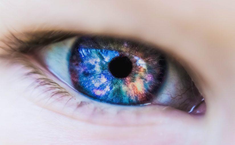 Heuschnupfen und Kontaktlinsen – geht das?