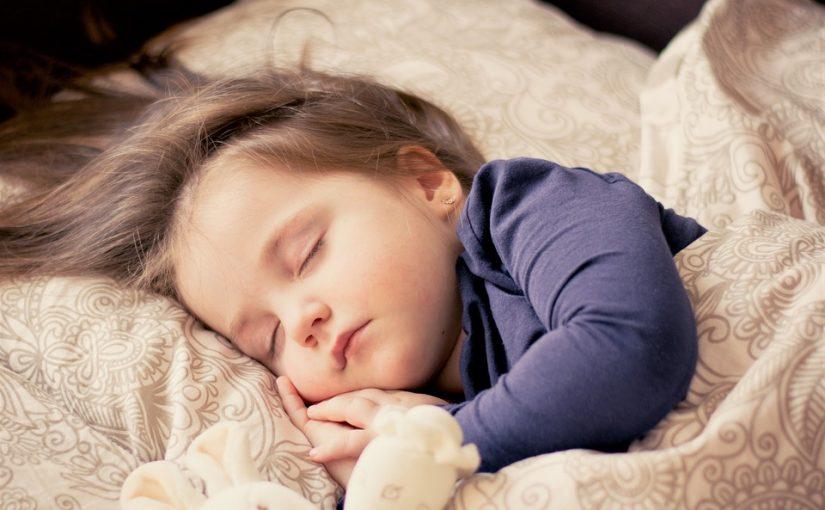 Experte sieht smarte Helfer am Babybett kritisch