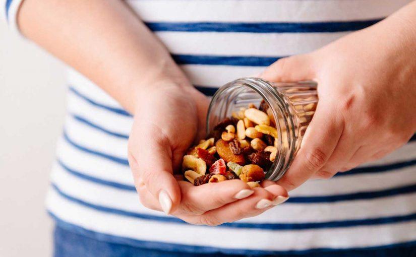 Jeden Tag eine Handvoll Nüsse knabbern