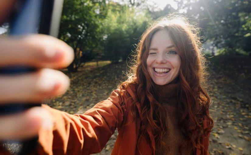 Perfekt bearbeitete Selfies machen unglücklich und unzufrieden